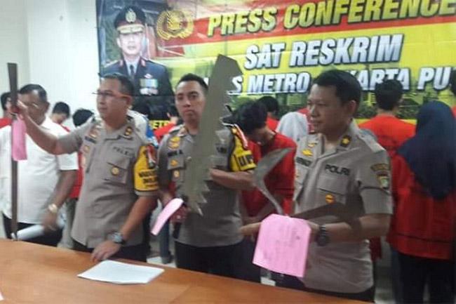 Polres Metro Jakpus Tangkap Remaja Bawa Sajam Saat SOTR