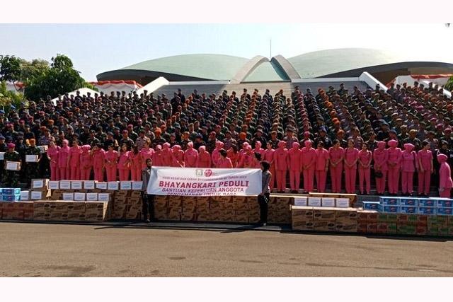 Bhayangkari Dipimpin Istri Kapolri Dukung Personel Polri-TNI di DPR