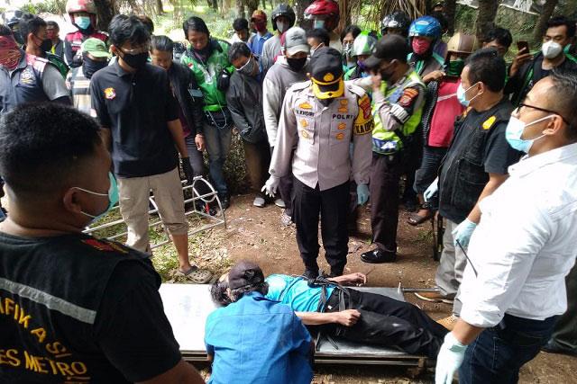 Mayat Laki-Laki Ditemukan Gantung Diri di Jembatan Kali Taman