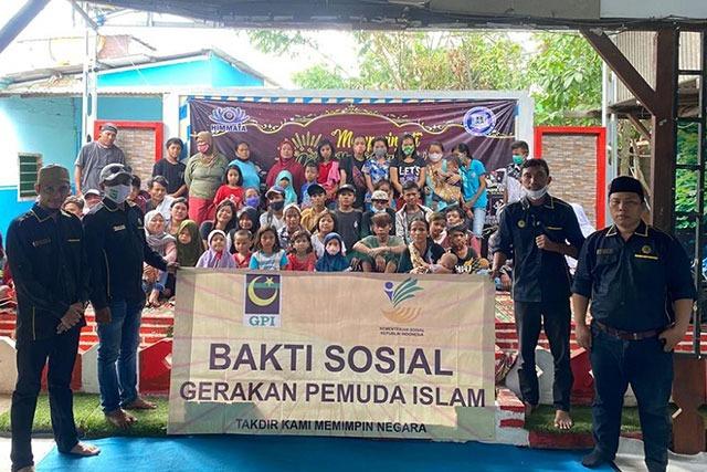 GPI Berbagi Serahkan Sembako Untuk Anak Jalanan dan Warga Yang Tak Tersentuh Bansos